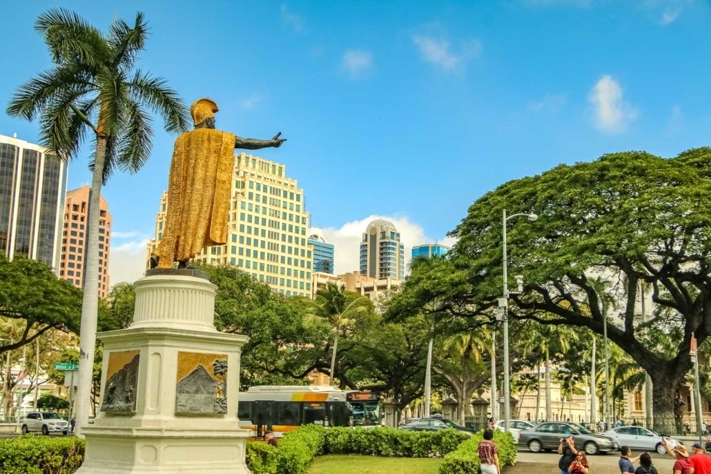 Kamehameha Statue Facing Iolani Palace Honolulu