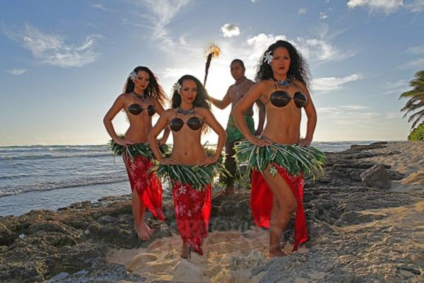 luau dancers on beach