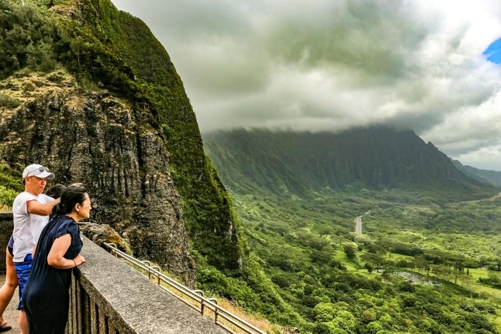 Nuuanu Valley Lookout Visitors Oahu