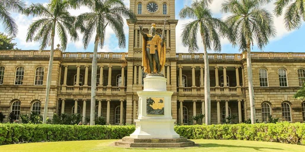 Alii Hale Kamehameha Statue Honolulu