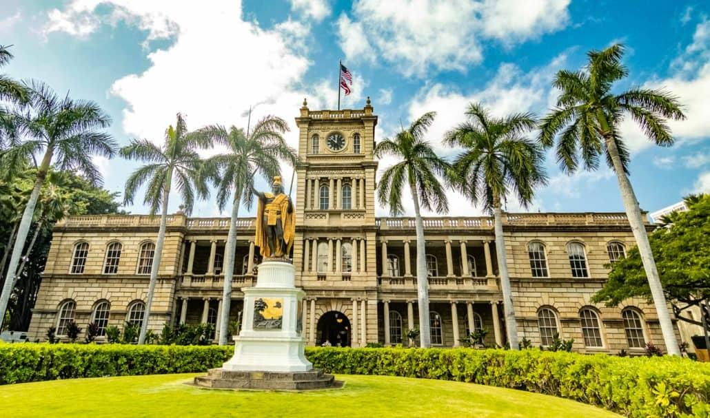 Aliiolani Hale and Kamehameha Statue Honolulu