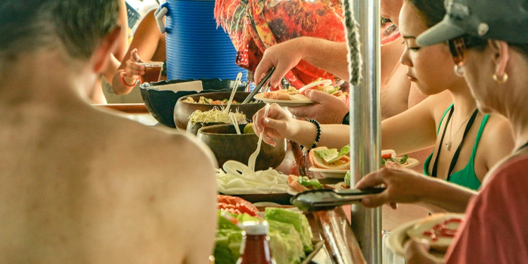 Hawaii Boat Lunch Line Visitors