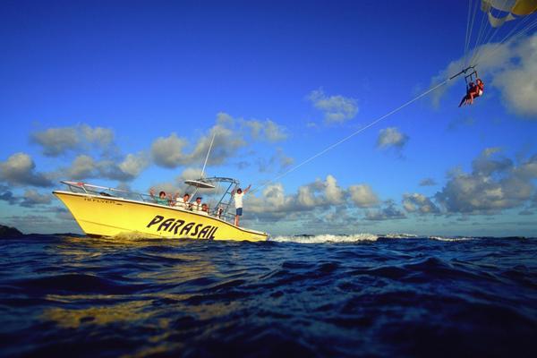 Parasail Boat Ocean