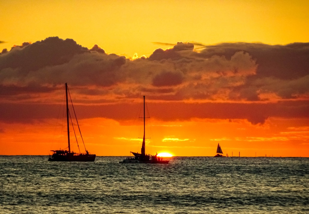 Ocean Boats Sunset Hawaii EX shutterstock