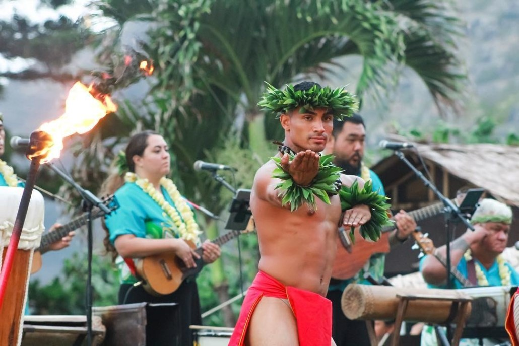 Male hula dancer Hawaii