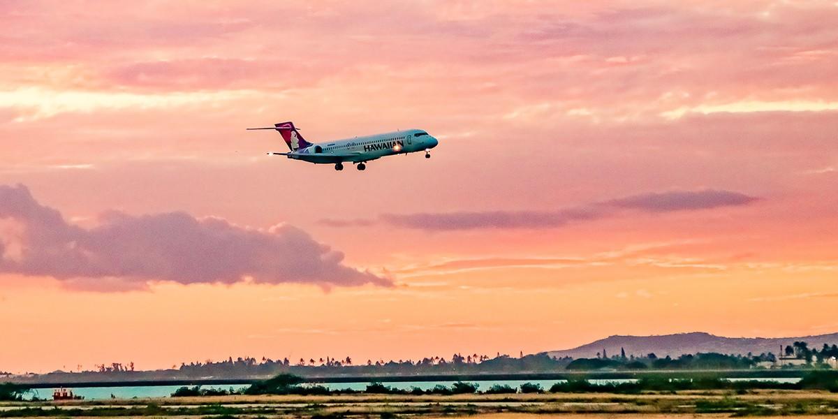 Airport plane Landing Hawaiian EX Oahu
