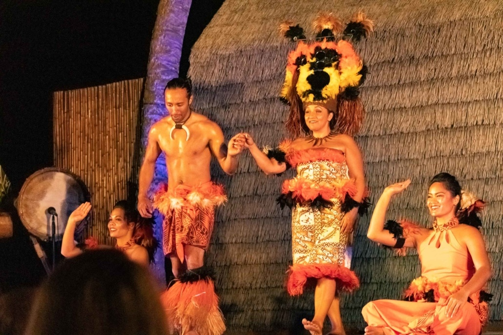 Ocean Breeze Luau Show Performers EX Kona Big Island
