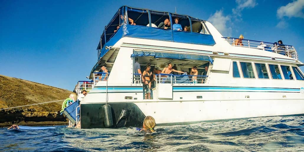 Snorkel Boat Visitors From Ocean