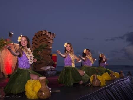 aulii luau hula