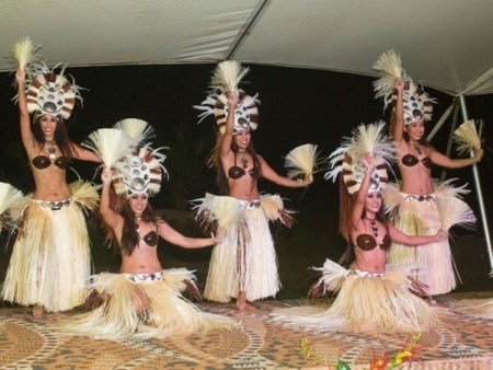 Luau Makaiwa Dancers in Hawaii