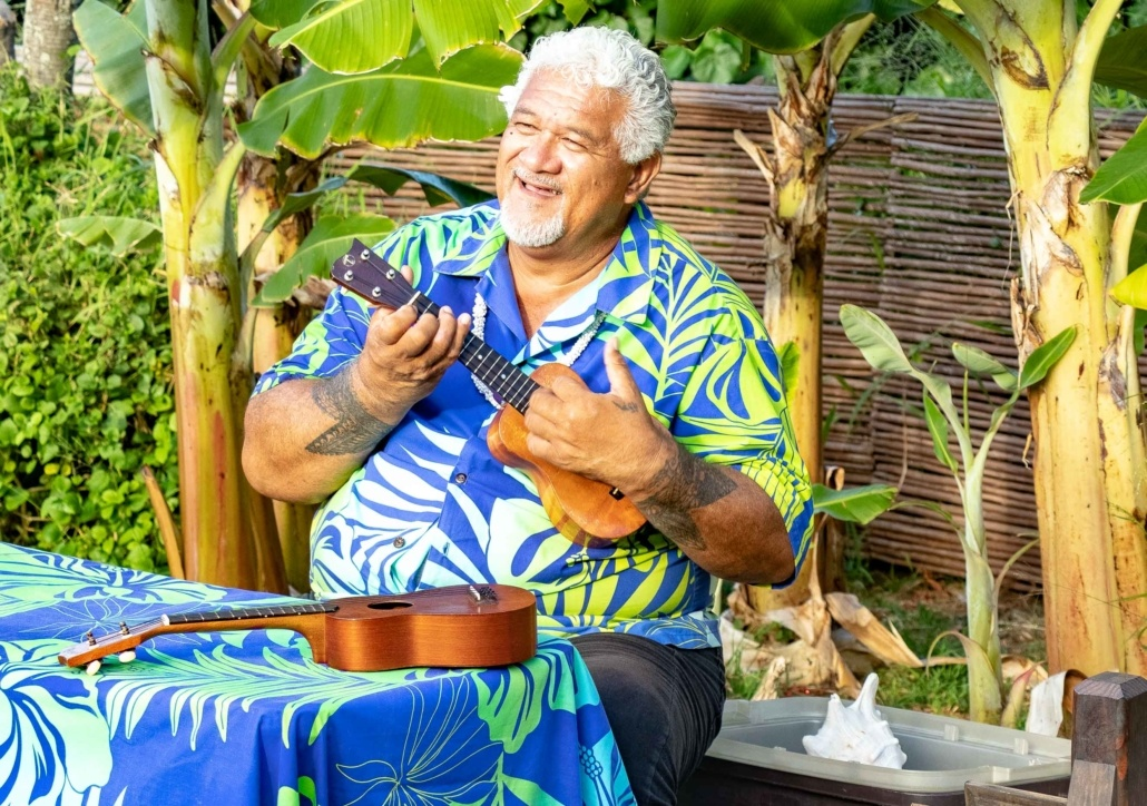 Ta Moana Luau Guest Activities Ukulele Instructor Smile Oahu