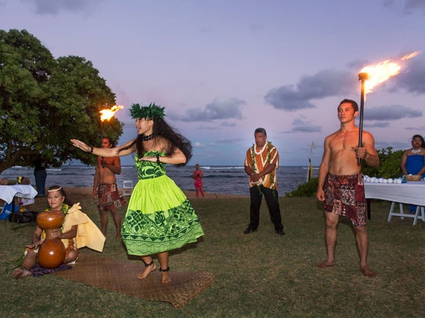 Hula Dancers at Luau