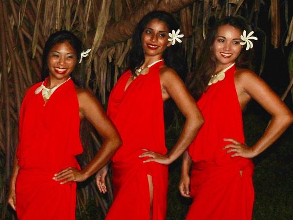 Dancers at Luau Makaiwa
