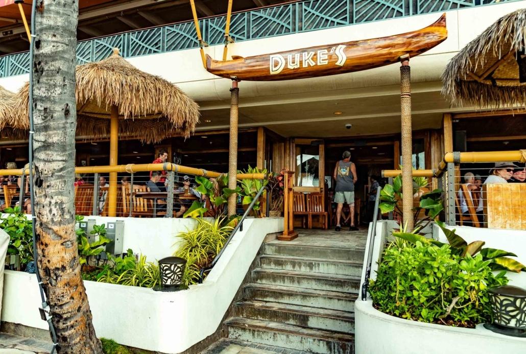 Duke's Restaurant Waikiki Exterior Steps
