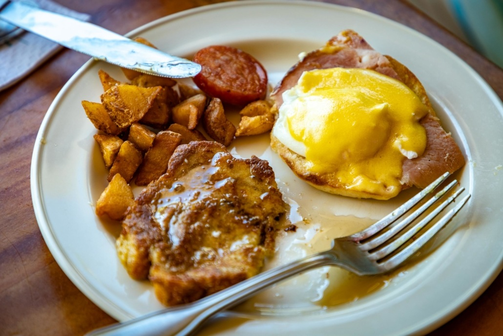 Duke's Waikiki Breakfast Buffet Plate Benedict and French Toast