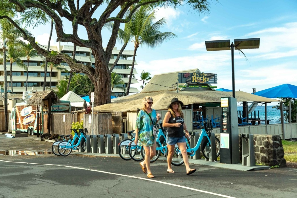 Kona Town Visitors Walking Big Island
