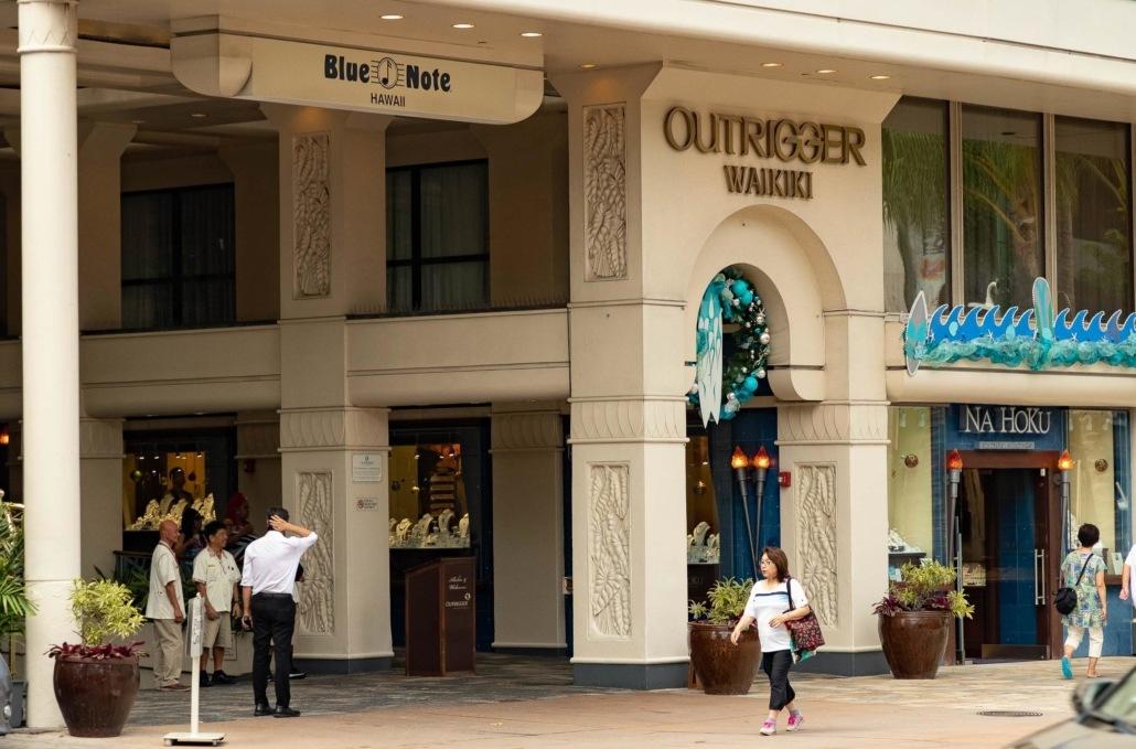 Outrigger Waikiki Hotel Exterior Entrance