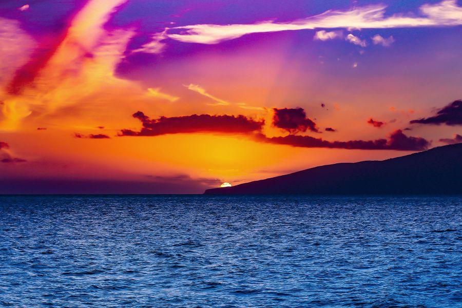 sail trilogy maalaea red sky view