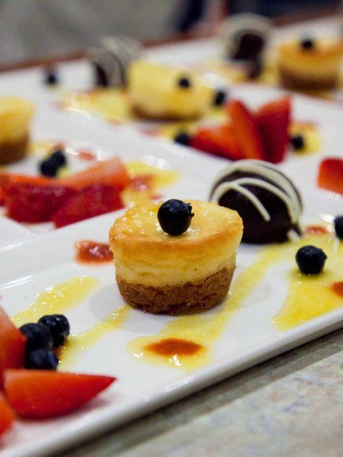 Trilogy-Maui-Cakes