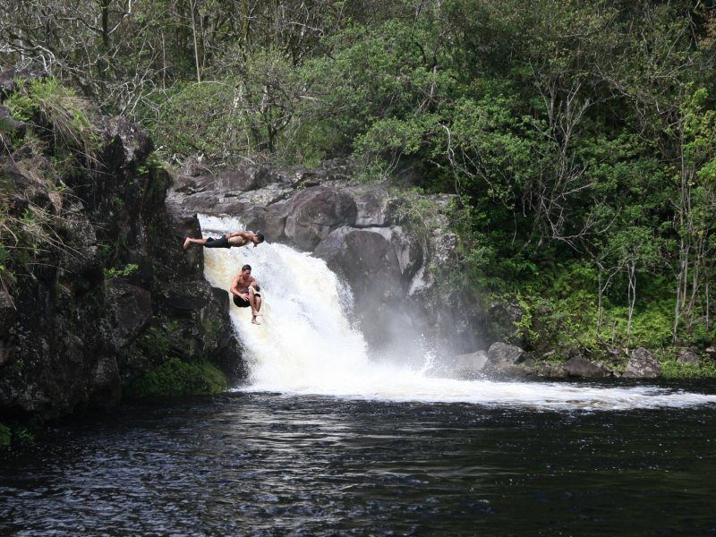 Two Man Jump In The Umauma River