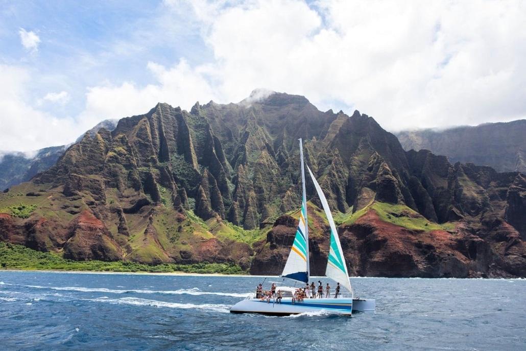 Holo Holo Charters Kauai Na Pali Sailing Tour