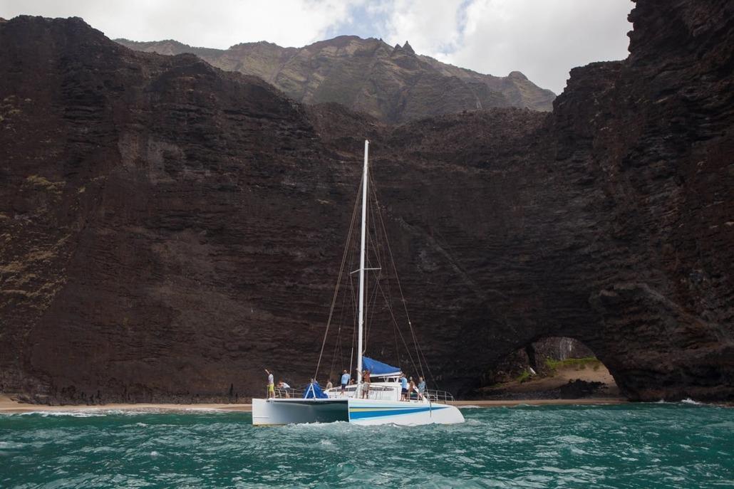 holo holo charters sea cliff of na pali coast