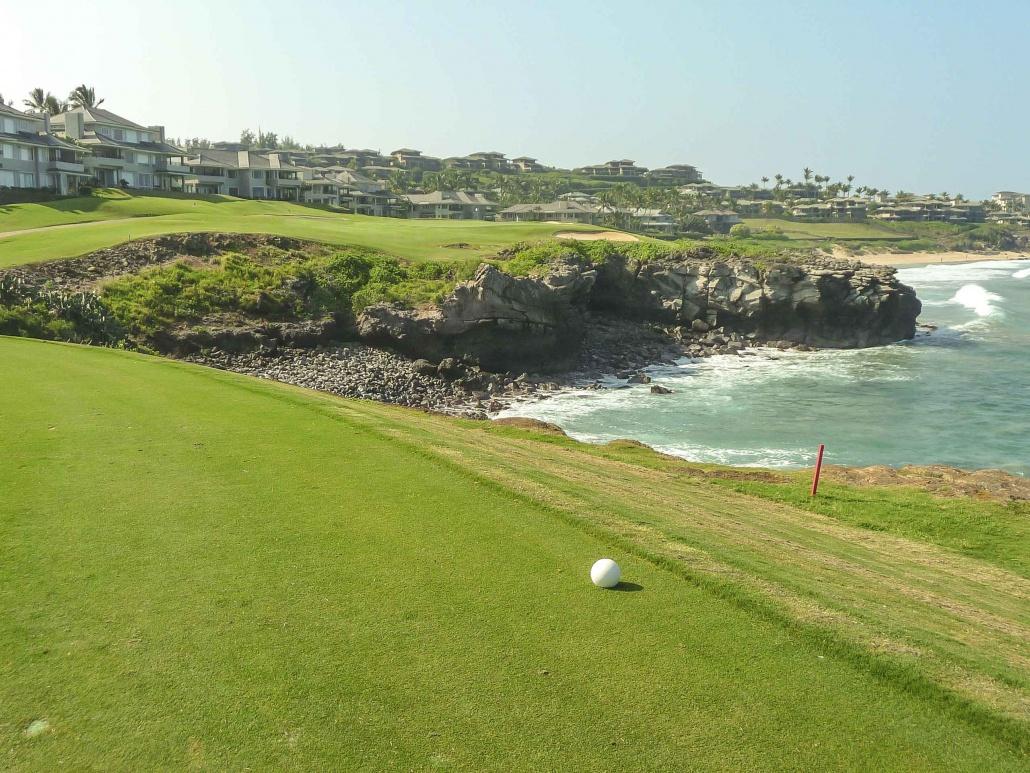 Maui Golf Courses Kapalua Bay Tee Box Green over Ocean_1