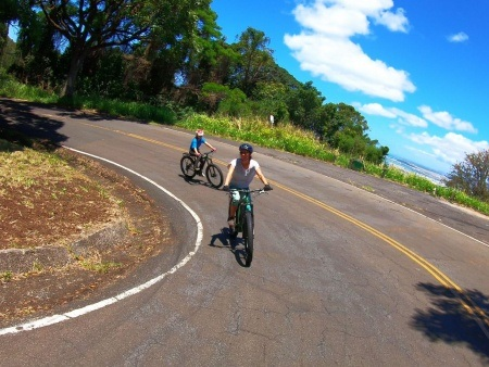 Honolulu Rainforest E Bike Tour Mother And-daughter-climb